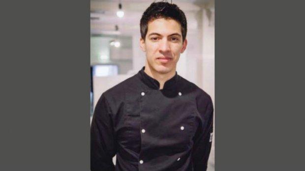 Statushouder Salim heeft nu al eigen restaurant: 'Hard werken wordt beloond'