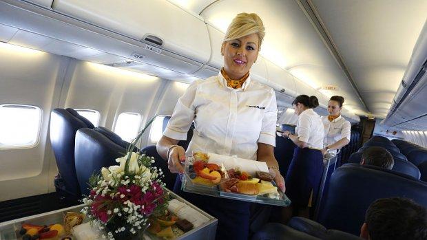 Eten en drinken in vliegtuig: prijzen lopen gigantisch uiteen