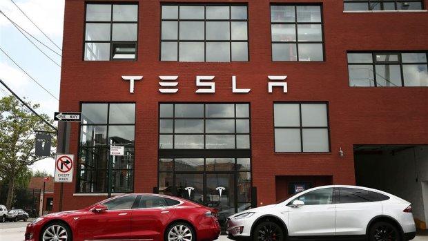 Tesla krijgt volledig zelfrijdende functies in augustus