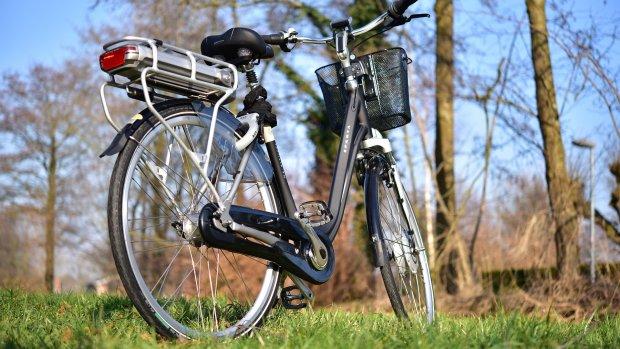 Fabrikanten e-bikes verzwijgen hoge kosten accu's