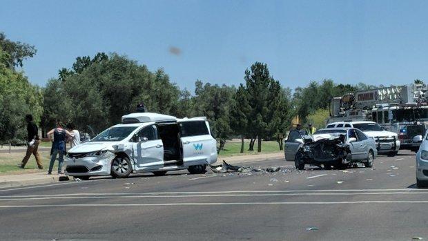 Zelfrijdende Waymo-auto betrokken bij ongeluk