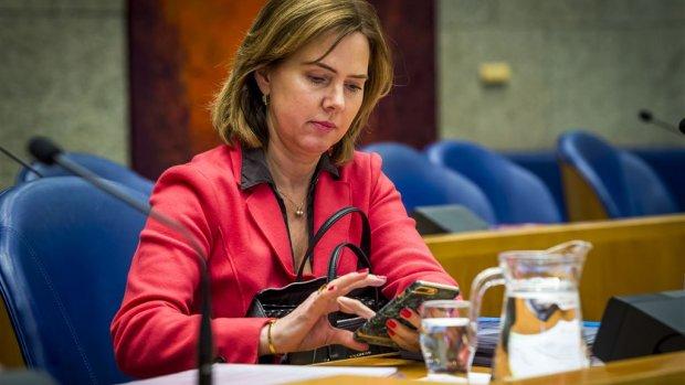 Schiphol mag verder groeien van minister Van Nieuwenhuizen