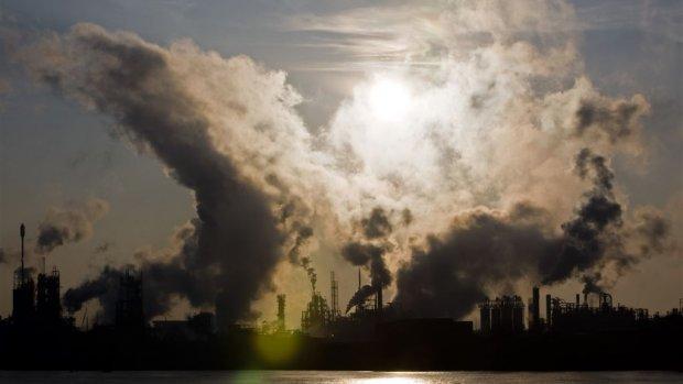 'Stevige' CO2-belasting voor vervuilende bedrijven