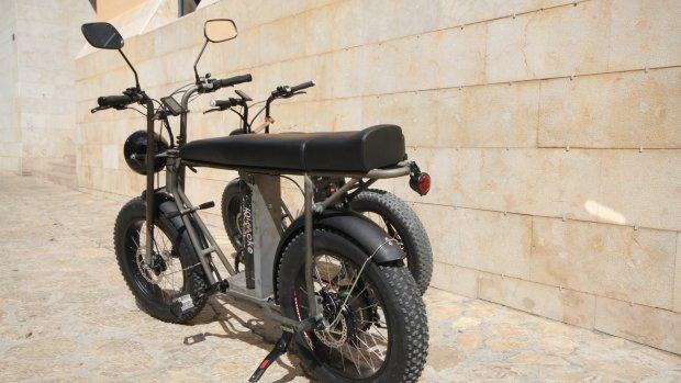 Kruising tussen motor en e-bike: de Unimoke