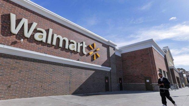 Onlineverkoop Walmart met een derde omhoog