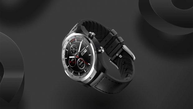 Smartwatch met 30 dagen accuduur dankzij twee schermpjes