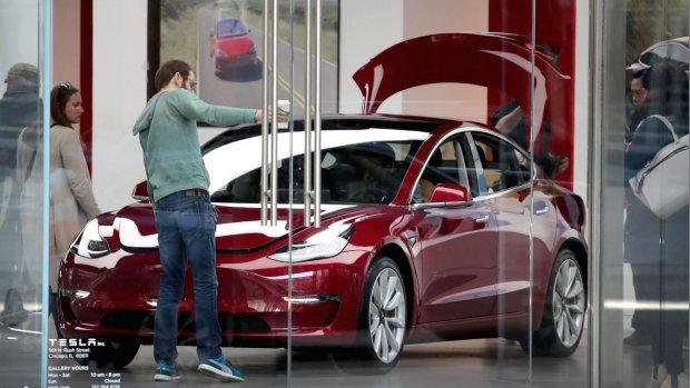 Tesla brengt goedkopere versie Model 3 uit