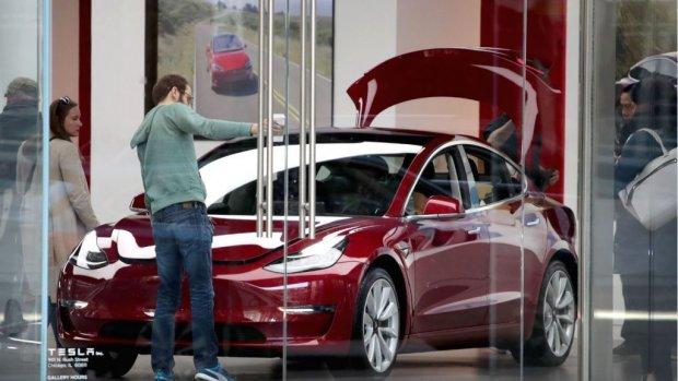 Tegenvaller Tesla: Consumer Reports raadt Model 3 niet meer aan