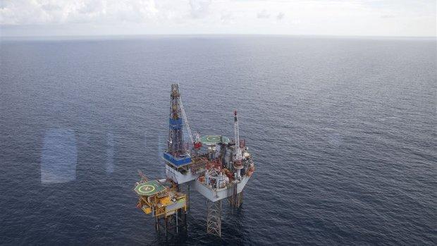 Wiebes biedt extra belastingvoordeel voor winning gas op zee