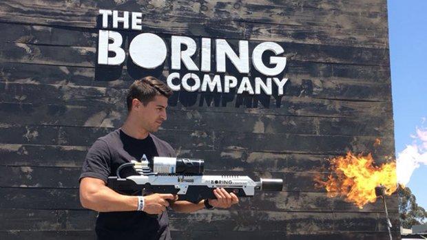 Elon Musk's Boring Company levert eerste vlammenwerpers