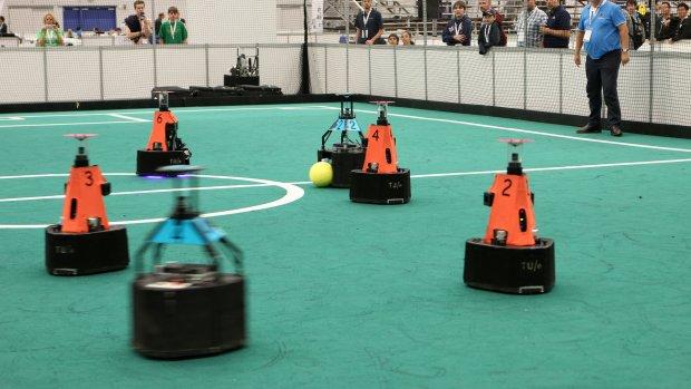 Robotvoetballers TU Eindhoven op jacht naar wereldtitel