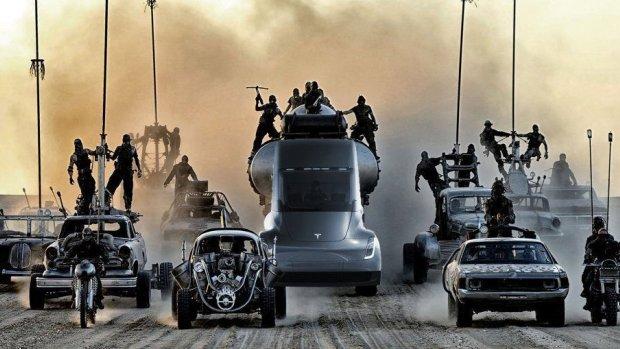 Tesla ontwikkelt 'Mad Max-modus' in zelfrijdende truck