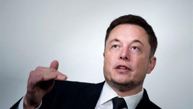 Toezichthouder wil uitleg Tesla over tweets Musk, koers omlaag
