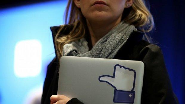 Doodsbedreigingen en smerigheid bij moderatiecenter Facebook
