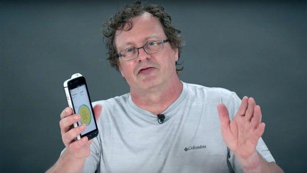 Getest: deze smartphone kan ruiken, voelen en meten