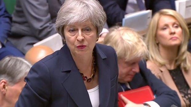 Positie Britse premier May lijkt voorlopig gered