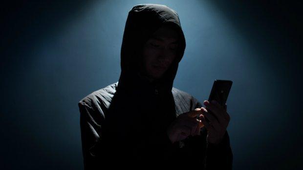 Verdachten achter Nederlands wraakpornonetwerk voor de rechter