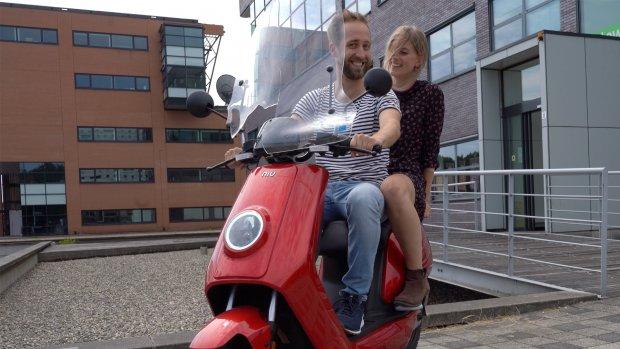 Naar kantoor op een elektrische scooter: bevalt dat?