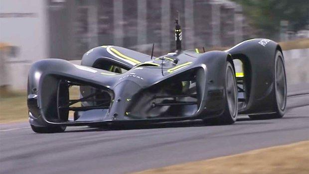 Video: autonome auto scheurt de berg op