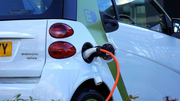 Nederland krijgt extra laadpunten en waterstofstations