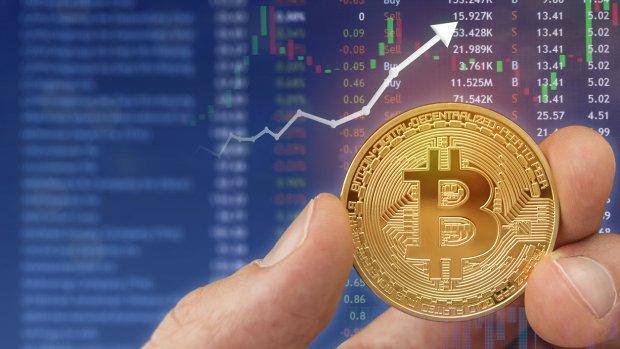 Bitcoin maakt grote sprong: weer bijna 7500 dollar waard