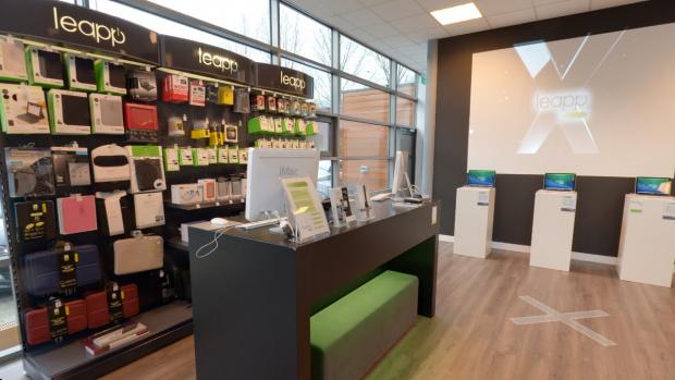 Tweedehands Apple-winkel Leapp start door, 100 banen gered