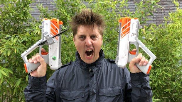 Getest: lasergamen met smartphone-pistolen