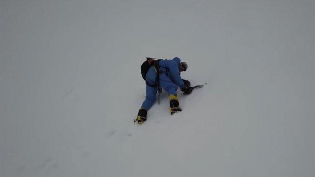 Vermiste bergbeklimmer bij toeval gered door drone