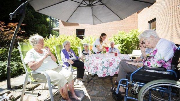 Seniorenorganisatie vindt dat RIVM overdrijft