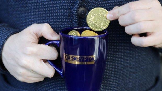 Bitcoin-koers tikt grens van 8000 dollar aan