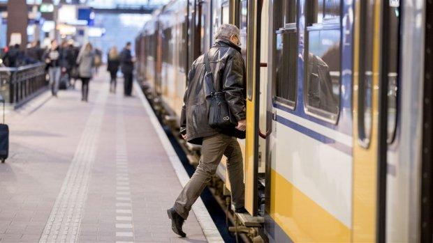 Treinreizigers zijn actiever en minder dik dan automobilisten
