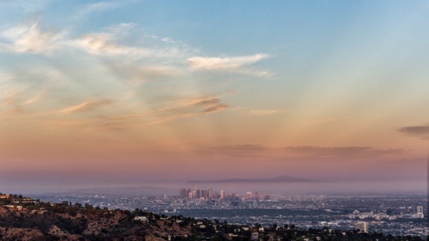 Kale berg met geweldig uitzicht, te koop voor 1 miljard