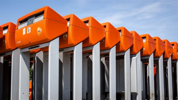 Verlieslijdend PostNL wil snel binnenlandse overname doen