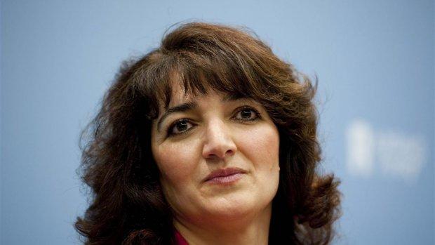 Ontslagen COA-topvrouw Albayrak kan fluiten naar uitkering