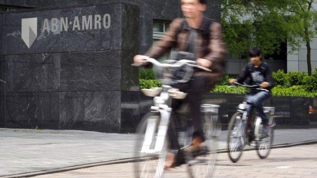 Witwasonderzoek OM zorgt voor dramatische beursdag ABN Amro: 2 miljard beurswaarde verdampt