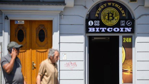 Bitcoin door magische grens van 10.000 dollar
