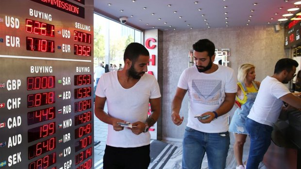 Turkse liracrisis dreigt over te slaan naar andere landen