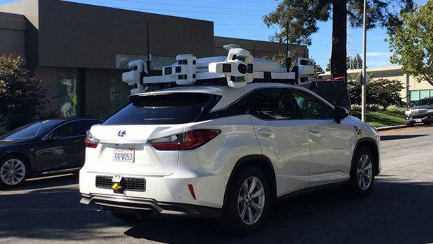 Zelfrijdende Apple-auto betrokken bij eerste botsing
