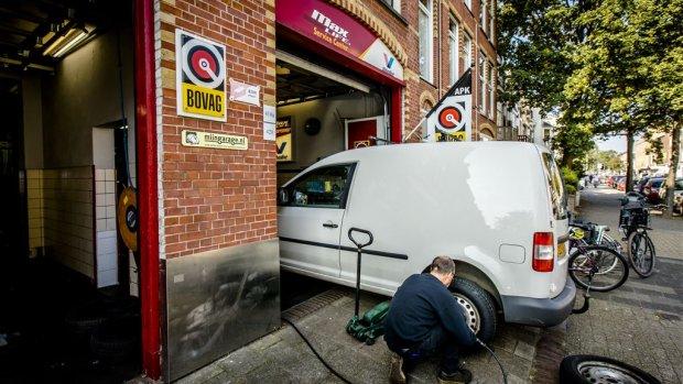 Omzet autobranche omhoog, maar personeelstekort wordt nijpend