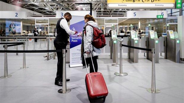 Schiphol dreigt met rechtszaak om staking te voorkomen