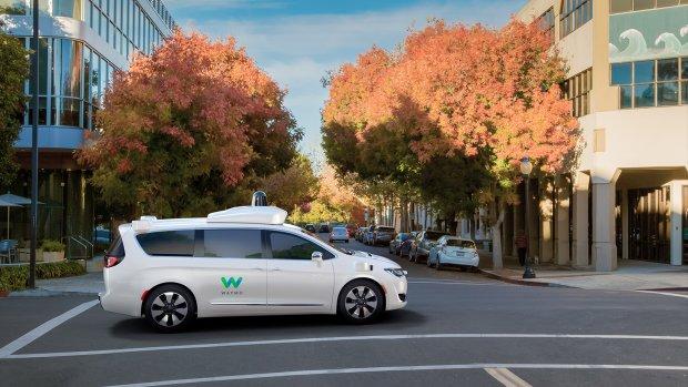 Meer zelfrijdende auto's Waymo zonder mens de weg op
