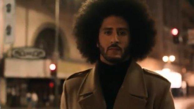 Nike zet commercial knielende quarterback Kaepernick online
