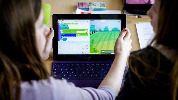 Ouders slaan alarm: 'verplichte schoollaptop te duur'