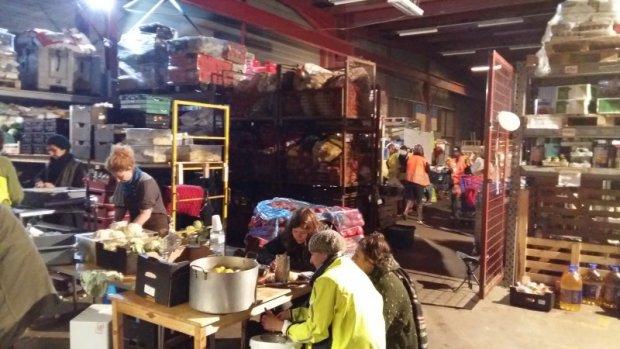 Jozien kookte voor vluchtelingen Calais: 'Extreme uitzichtloos...