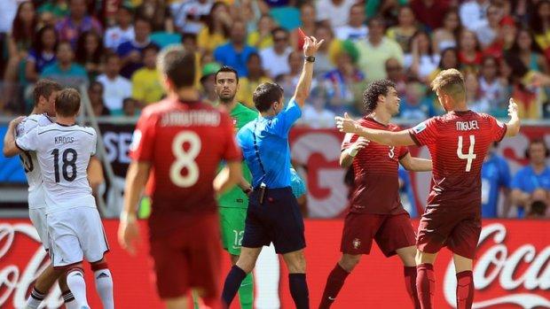 Ongestraft tackelen en trappen in FIFA 19