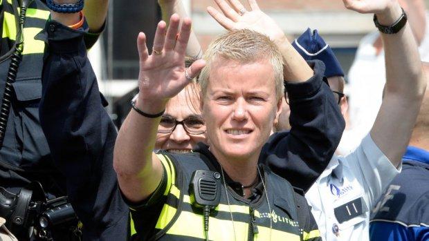 Ellie Lust zegt politie Amsterdam vaarwel