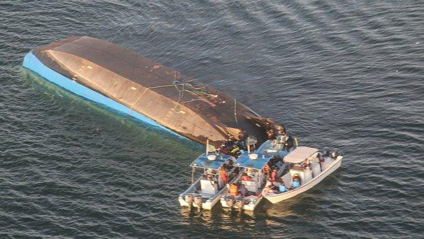 Overlevende na twee dagen gevonden in gekapseisd schip Tanzania