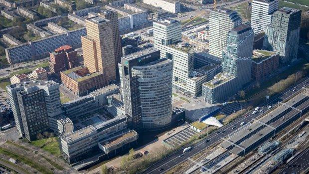 'Italiaanse bank UniCredit aast op ABN en ING'