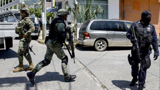 Mexicaanse mariniers ontwapenen corrupte agenten Acapulco