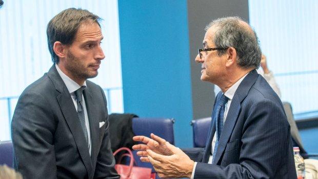 Wordt Italië het nieuwe Griekenland? Hoekstra maakt zich zorgen